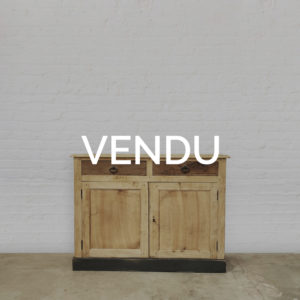 Buffet-bois-patine-ancien-meuble-de-metier-vintage-atelier