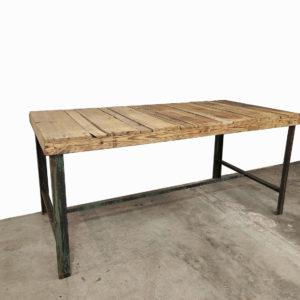 Table-a-manger-salon-bois-atelier-meuble-de-metier-patine-ancien-vintage