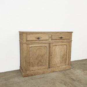 Buffet-bois-brut-chêne-ancien-patine-atelier-vintage-meuble-de-metier